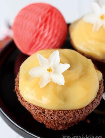 Schokoladen Cupcakes mit Blutorangen Curd