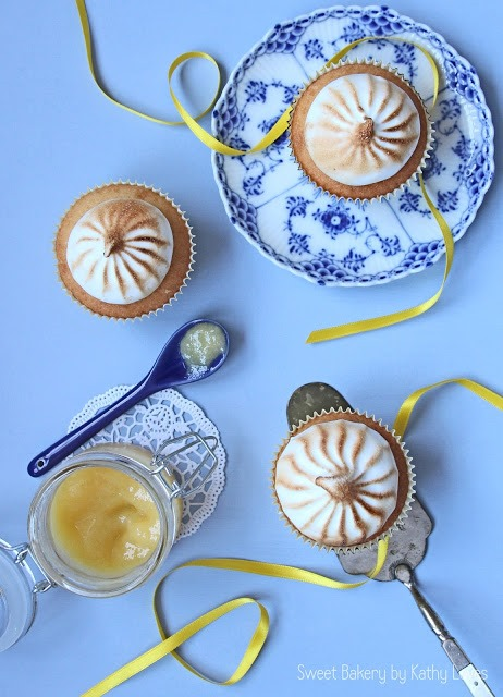 Lemon Curd Cupcakes mit Baiser - by Kathy Loves