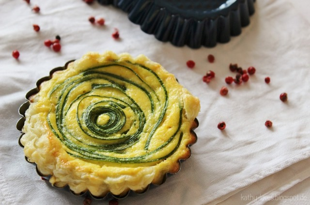 Mini-Quiche mit Zucchinirosen - by Kathy Loves