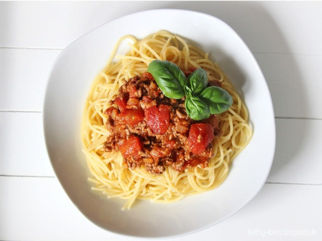 Spaghetti Bolognese - by Kathy Loves