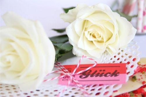 Weiße Erdbeer-Pistazien-Schokolade Valentinstag - by Kathy Loves