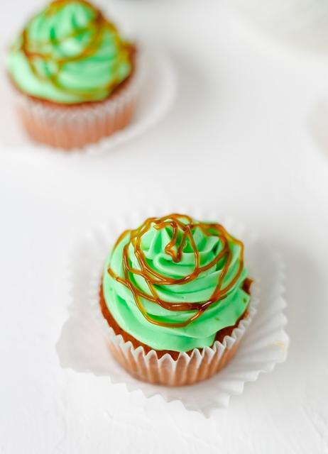 Vanille Cupcakes ohne Zucker mit Limetten Karamell - Sweet Bakery by Kathy Loves