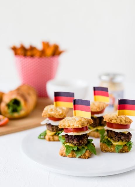 WM Food Das Runde muss ins Eckige - Kooperation MeineBackbox WM Box