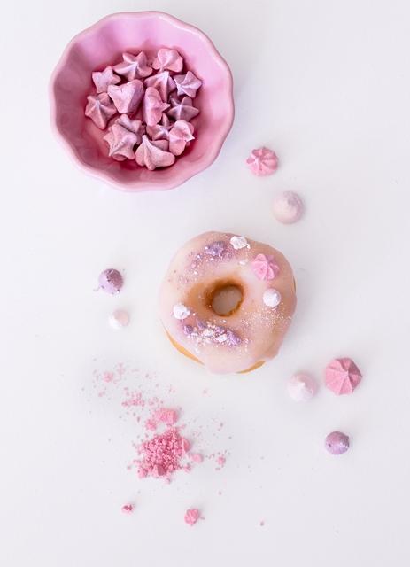 Girly Donuts - Donut mit Zuckerguss und Baiser in Pink dekorieren - Geburtstag Babyshower
