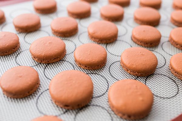 Erdnuss Macarons ohne Dekoration