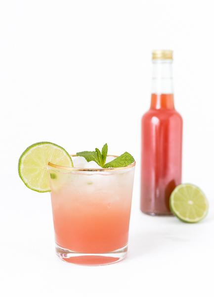 Rhabarber Sirup selber machen - Drink Cocktail