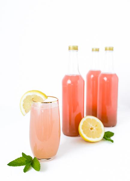 Rhabarber Sirup selber machen - Rhabarber Limonade Schorle